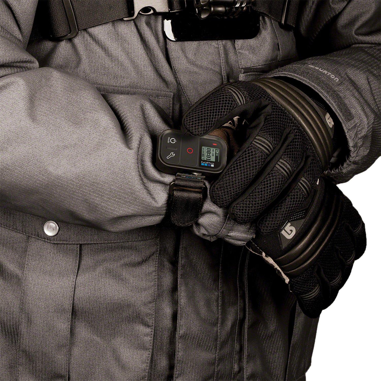 Za pomocą pilota Smart Remote można sterować równocześnie nawet 50 kamerami przy zwiększonej o 40% wydajności akumulatora w porównaniu z pilotem Wi-Fi