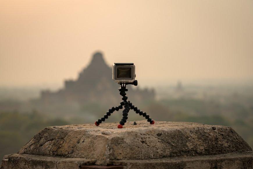 Przydatne akcesoria do kamer sportowych – co warto kupić?