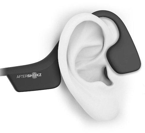 Podczas gdy muzyka jest przekazywana dzięki wibracjom, dzięki otwartej konstrukcji słyszysz także dzwięki dochodzące z otoczenia