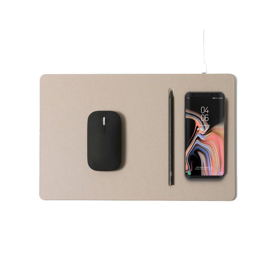 zybkie ładowanie QI 10W/7.5W/5W umożliwia szybkie ładowanie smartfonów oraz innych urządzeń obsługujących standard QI